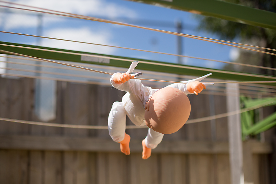 An image of the dangers of experimenting in a newborn shoot.