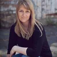 Lorna Kirkby, author of the Newborn Photography StartUp Guide